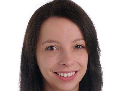 Dr Victoria Williamson bio pic for web
